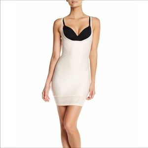 Yummie Heather Thomson Nude Bust-less Slip Small
